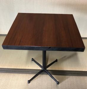 角テーブル3